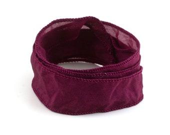 Handgefertigtes Habotai-Seidenband Bordeaux handgenäht handgefärbt