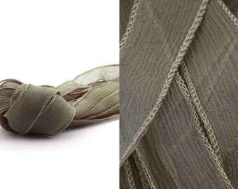 Seidenband Crinkle Chiffon Hautfarben handgenäht handgefärbt
