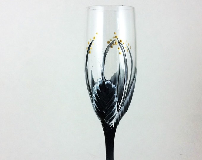 Champagne Glasses, Toasting Glasses, Champagne flutes, Wedding anniversary, Anniversary gifts, Wedding gift, new home gift, Gift for her