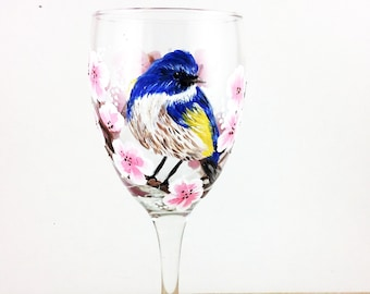 Bird wine glasses, Hand painted Glasses, Wine lover Gift, Gift for mom, unique gift, Gift for wife, housewarming gift, Bird Decor, wine gift