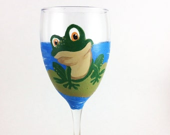 Painted wine glasses, wine glasses, Wine lover gift, Frog Art, gift for her, Frog lover gifts, Custom wine glasses, Best wine glasses, Gifts