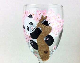 Painted wine glasses, Wine Glass, Custom wine glasses, personalized glasses, Custom wine glass, stemless glasses, Wine lover gift, pandas