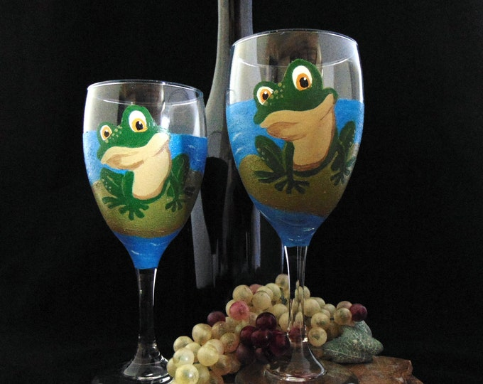 Frog Wine Glasses, Hand Painted wine glasses, 10.25oz.