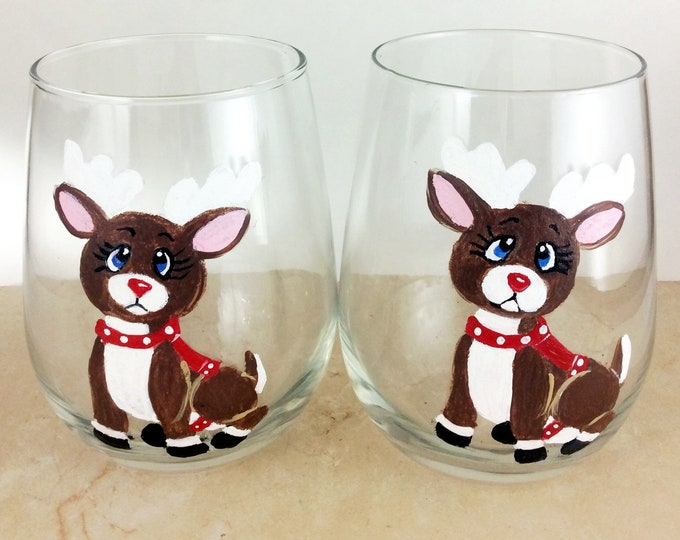 Adorable reindeer stemless wine glasses, 17oz glasses, Christmas wine glasses