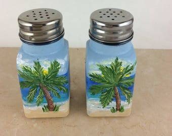 Salt & pepper set, Salt shakers, Salt and pepper, Beachy home decor, Housewarming Gift, Home decor idea, kitchen decor, home decor, Gifts