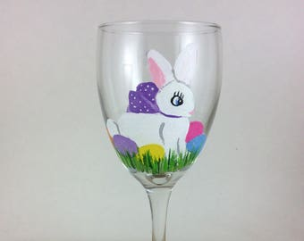 Easter wine glasses, Easter Gift, Easter Decor, Bunny Wine Glass, Bestfriend gift, Girlfriend gift, gift for her, Easter gift for her