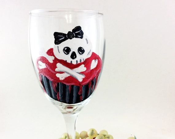 Sugar Skull wine glasses, Dia de Los Muertos, Hand painted wine glasses, 10.25oz, Halloween wine glasses, Halloween party ideas