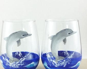drinking glasses, stemless wine glass, Dolphin lover gift, Beach theme decor, Best friend gift, Painted wine glasses, dolphin glasses