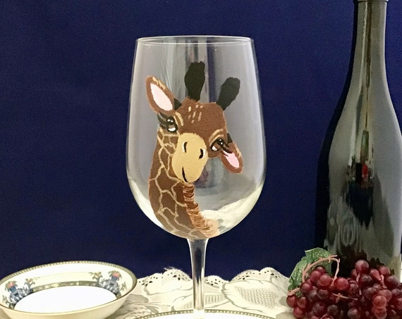 Giraffe Wine Glasses, Large 18.5oz hand painted wine glass, Large Giraffe Wine Glass, Wine Lover Gift, Giraffe Lover Gift