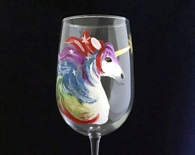 Unicorn Wine Glasses, Unicorn lover gift, Gold Unicorn Horn, Unicorn gift for her, Wine lover, Wine lover gift, Wine glass gift, Unicorns