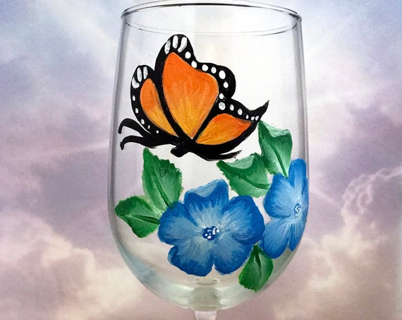 Hand painted Monarch Butterfly wine glass, Floral Wine glasses,  18.5oz wine glass, Wine lover gift, Gift for her,