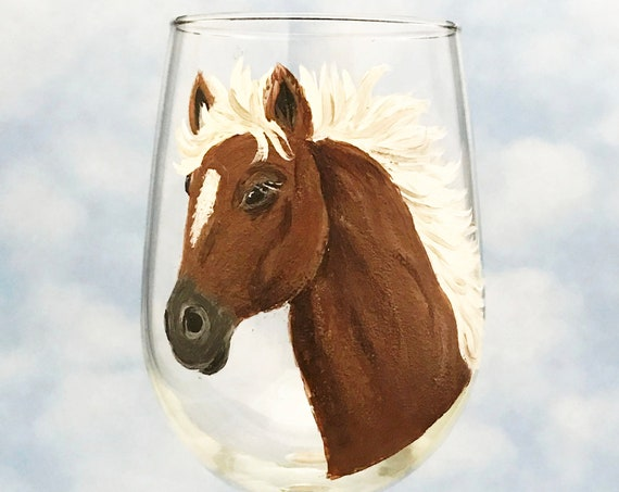Horse Wine Glasses, Horse lover gift, Brown and white horse, Palomino Horse,  gift for her, Wine lover, Wine lover gift, Wild horse gifts