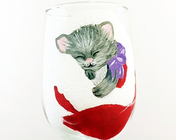 Christmas Kitten Wine glass, Christmas Wine glasses, Hand Painted Christmas Wine glasses, Holiday Glasses, Sleeping Cat Wine glass