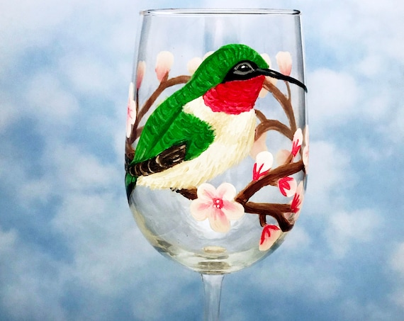 Hummingbird Wine Glass, 18.5oz glass, Wedding gifts, hand painted hummingbird wine glasses, Hummingbird lover gift, Wine Lover Gift