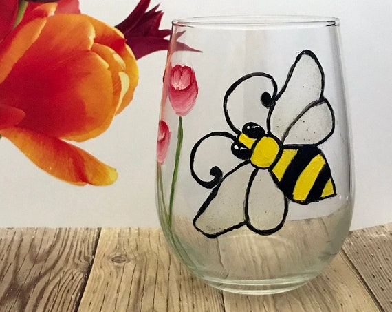 Bumblebee wine glass, Hand Painted Bumble Bee wine glasses, Valentines Gift, Easter gift, Bumble Bee Decor,