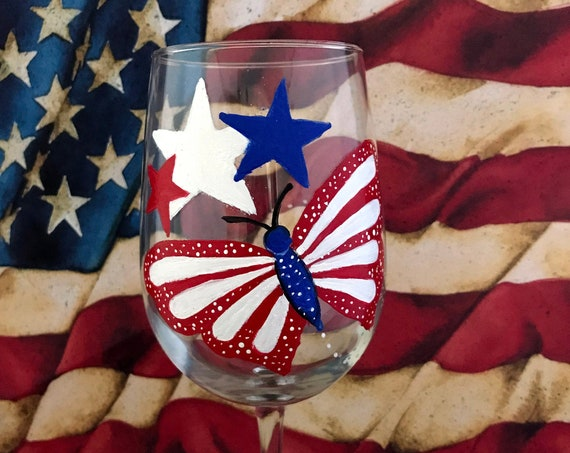 hand painted 4th of July Wine Glass, 4th of July Decor, Fourth of July Wine Glasses, Patriotic Wine Glasses, Independence day celebration