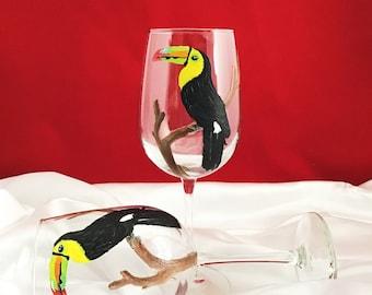 Toucan wine glass, Hand painted Toucan Bird wine glass, 18.5oz