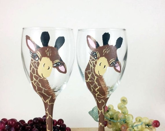 Giraffe Wine Glasses for all occasions - 10.25oz hand painted wine glass- Wine Lover Gift