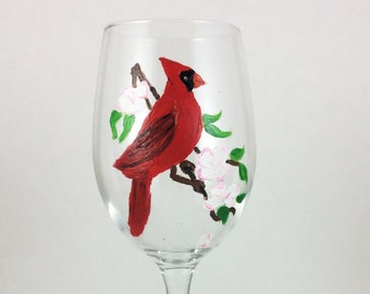 Crystal wine glasses, Painted glassware, Red Cardinal, Cardinal Bird, Wine Gift, personalized glasses, wine lover gift, Crystal wine glasses