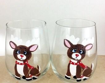 Holiday Sale Christmas wine glass, Reindeer glasses, wine glasses, Christmas Glasses, holiday wine glass, holiday glasses, wine gift, Christ