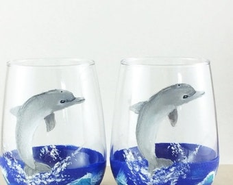 Holiday Sale drinking glasses, stemless wine glass, Dolphin lover gift, Beach theme decor, Best friend gift, Painted wine glasses, dolphin g