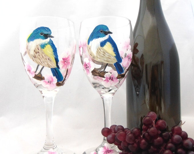 Bird Finch wine glass - holds 10.25 oz. hand painted wine glass