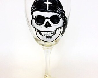 Holiday Sale Wine glasses, Hand painted Sugar Skull Wine Glasses, Sugar skulls, Sugar skull art, Dia de Los Muertos art, skull glasses, All