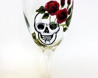 Holiday Sale skull wine glasses, skull art, Dia de Los Muertos, All Souls Day, custom wine glass, Birthday gift, custome wine glasses, skull
