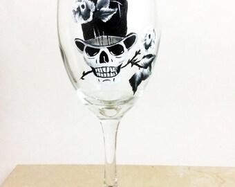 Holiday Sale Skull wine glasses, Sugar Skulls, Dia de Los Muertos, Custom wine glass, Day of the Dead, Gift for him, Creepy cute, wedding gi