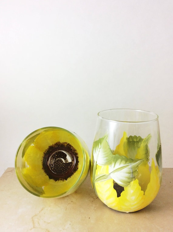 Sunflower wine glass, Sunflower glasses, stemless wine glass, Bridal shower gift, Wedding gifts, Drinking Glasses, Painted wine glass, Gifts