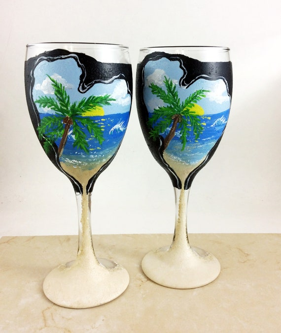 Ocean scene wine glasses, hand painted ocean wine glass, Tropical Beach wine glass, 10.25oz tropical ocean wine glass, gift for, Beach theme