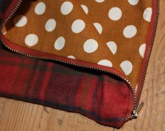 PLAID Zipper Pouch Bag