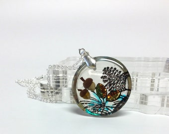 Acorn and leaves pendant necklace, fall themed jewelry, glittery pine cone necklace, resin jewelry, gift for her