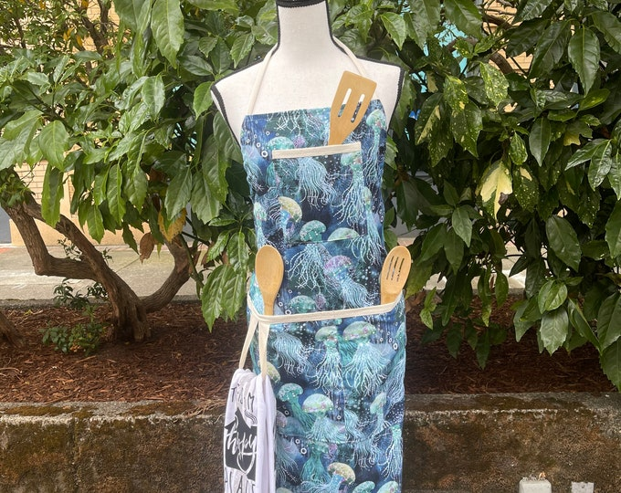 Featured listing image: Realistic Sea Turtle Apron, Honu Chefs Apron, Cafe Apron, Chefs Apron, Large Pocket Full Body Apron, Cotton Apron, Mother's Day Gift