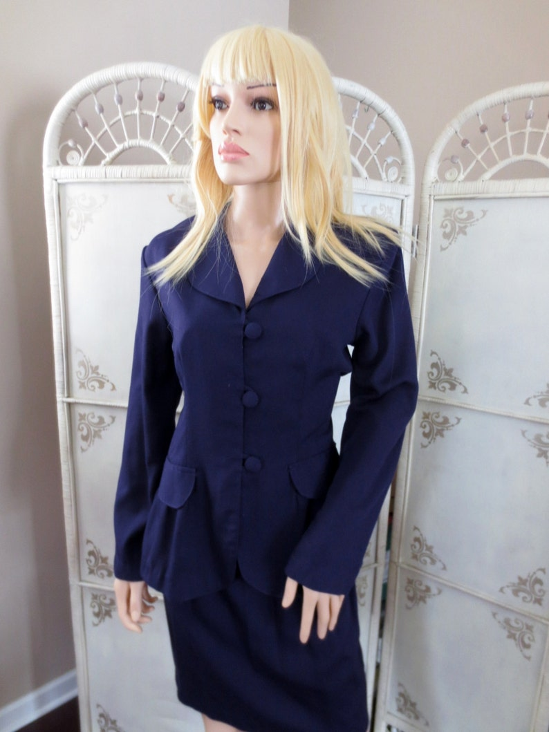 Vintage Womens Two Piece Suit Jacket and Skirt Size Small