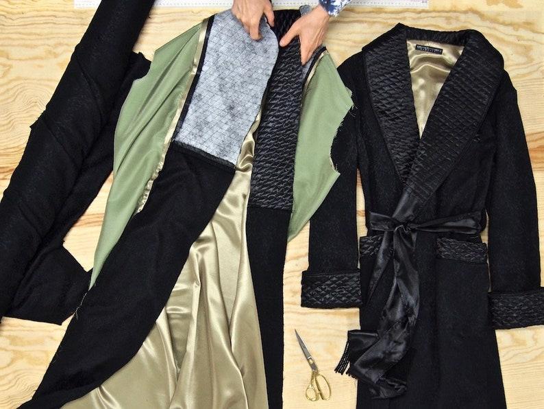 Mens Velvet Dressing Gown Lightweight Soft Linen Robe Monogrammed Vintage Gentleman/'s Extra Long Housecoat Smoking Jacket Navy Blue Gold