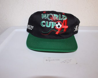 dceb297cee4 Vintage 94 USA World Cup Snapback by Logo Athletic