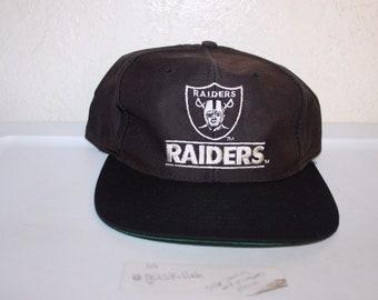 5d4ea8c1c Vintage 90's Oakland Raiders Snapback by Easport
