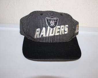 d5b16fbc56b Vintage 90 s Los Angeles Raiders Baseball Hat by Starter