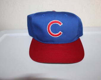 b820aedc5e0 Vintage 90 s Chicago Cubs Snapback by Outdoor Cap