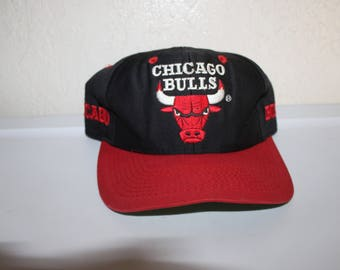 0529189d474 Vintage 90 s Chicago Bulls Snapback by Competitor