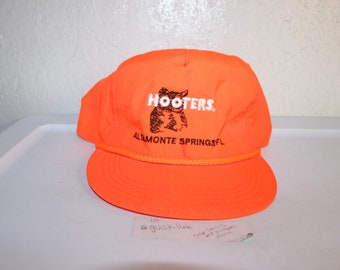 c20f8818c788c Vintage 90 s Hooters Altamonte Springs Florida Snapback by Yupoong