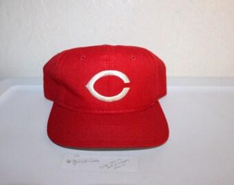c067592352a ... hat 5539b 62c3b  italy vintage 90s cincinnati reds snapback by sports  specialties d094b eded8