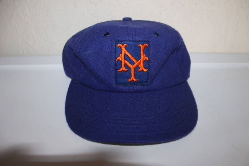 4fb26040 Vintage 80's New York Mets Fitted Hat Size XL by FarnHam | Etsy