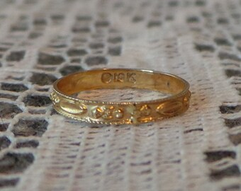 Antique VICTORIAN 10K GOLD Ornate Repousse Baby RING With Marked Balfour Box