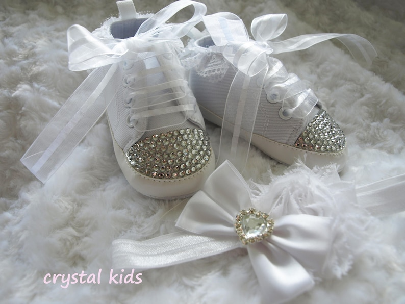 GIRLS WHITE FRILLY LACE SOCKS SIZE 0-2.5 SHOE SIZE 3-12months APPROX PINK BOW