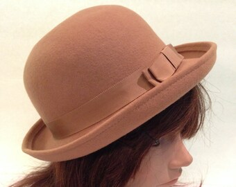 W. Bollman   Co. Inc Tan Doeskin Felt 100% Wool Derby Bowlers Hat 3a4a2406037c