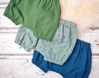 Bloomers 'Musselin', size 0-6 mon., shorts, different Versions