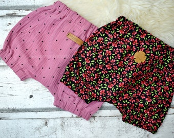Bloomers 'Webware', size 0-6 mon., shorts, different Versions