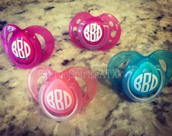 Baby Shower Gift/Personalized Pacifier/Pacifier Monogram/Monogram Pacifier/Pacifier Decals/Monogram Paci/Pacifier Decal/Name Pacifier